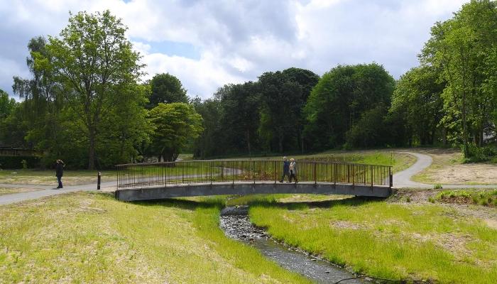 Tollcross Burn footbridge